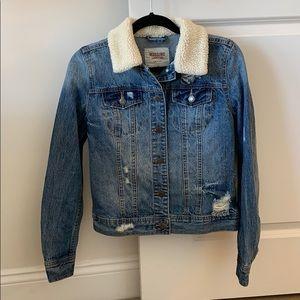 Mossimo Sherpa collar jean jacket